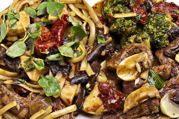Filet molho madeira / gorgonzola / funghi Kg