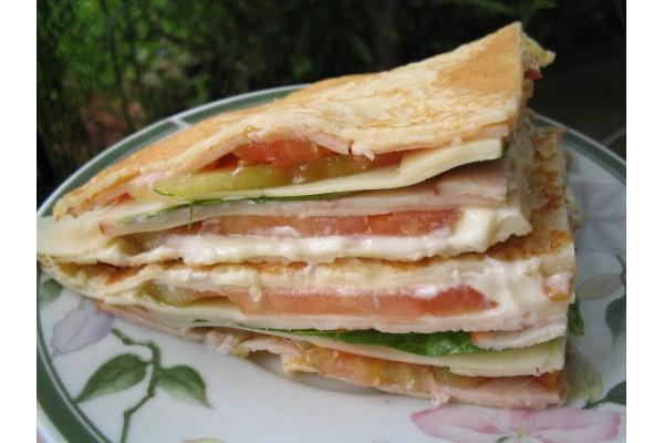 Salada de panquecas (Tam. Méd) 20 pedaços